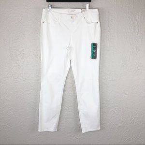 No Boundaries White Skinny Low Rise Jeans Size 17